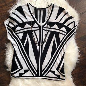 Tops - Black & White Geometric Top
